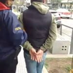 Morón. La policía detuvo al falso inspector municipal que estafaba a comerciantes del distrito.